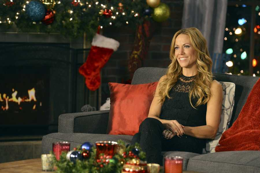 """SHERYL CROW -- Some of the most powerful and emotionally moving voices in music come together to celebrate the holidays on """"CMA Country Christmas,"""" which taped in front of a live audience Friday, November 8 at the Bridgestone Arena in Nashville, Tenn. The special, which features Jennifer Nettles as host for the fourth year, airs MONDAY, DECEMBER 2 (9:00-11:00, ET/PT), on the ABC Television Network."""