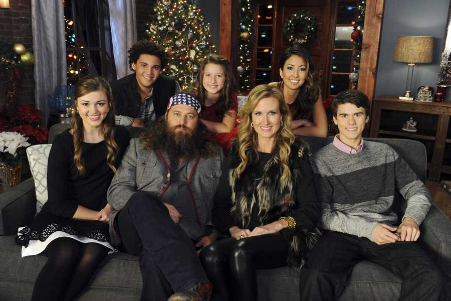 """DUCK DYNASTY -- Some of the most powerful and emotionally moving voices in music come together to celebrate the holidays on """"CMA Country Christmas,"""" which taped in front of a live audience Friday, November 8 at the Bridgestone Arena in Nashville, Tenn. The special, which features Jennifer Nettles as host for the fourth year, airs MONDAY, DECEMBER 2 (9:00-11:00, ET/PT), on the ABC Television Network."""