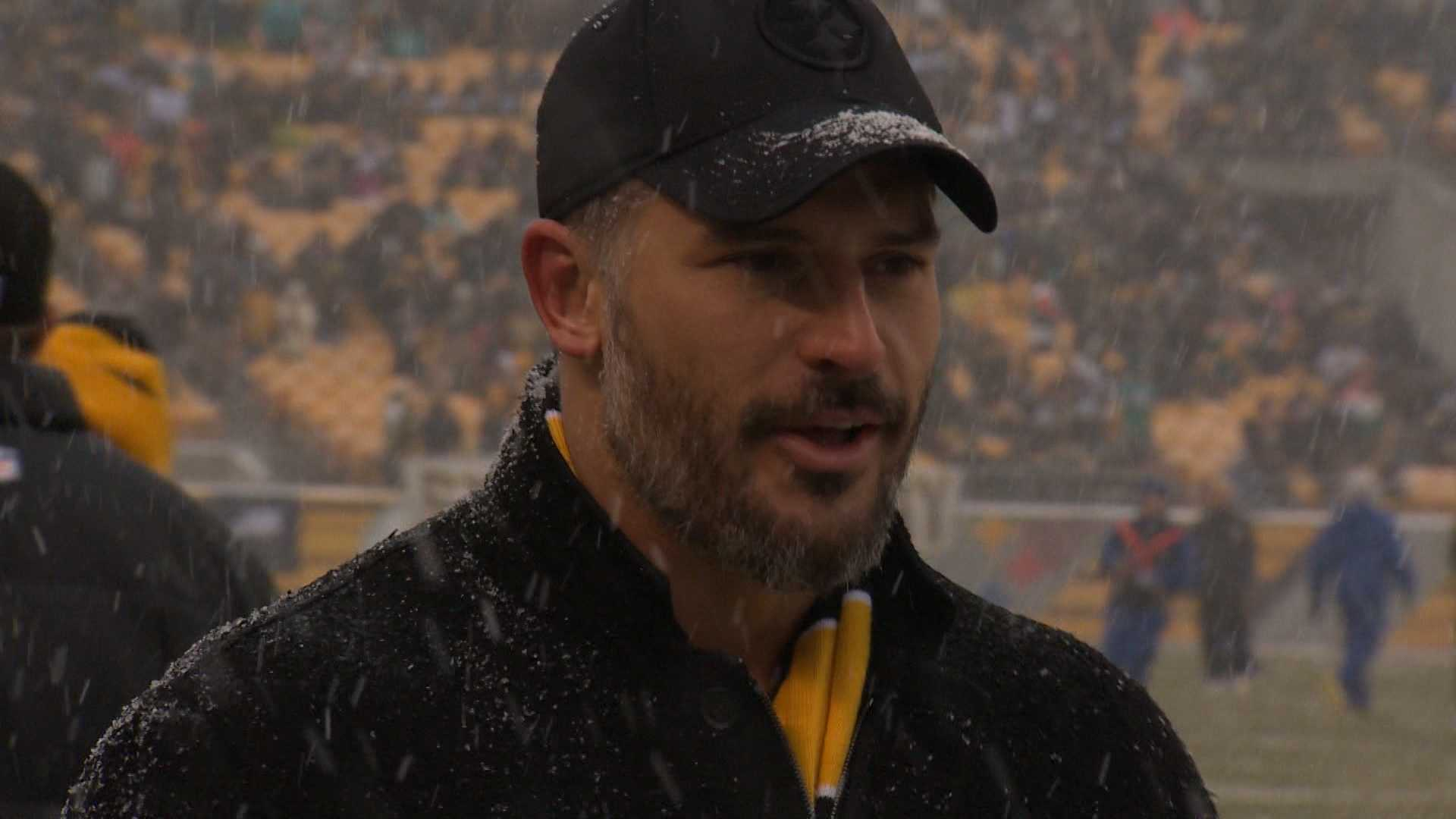 Pittsburgh native Joe Manganiello returned to his hometown on Sunday to get fans fired up during the Terrible Towel Twirl before the Steelers-Dolphins game at Heinz Field.