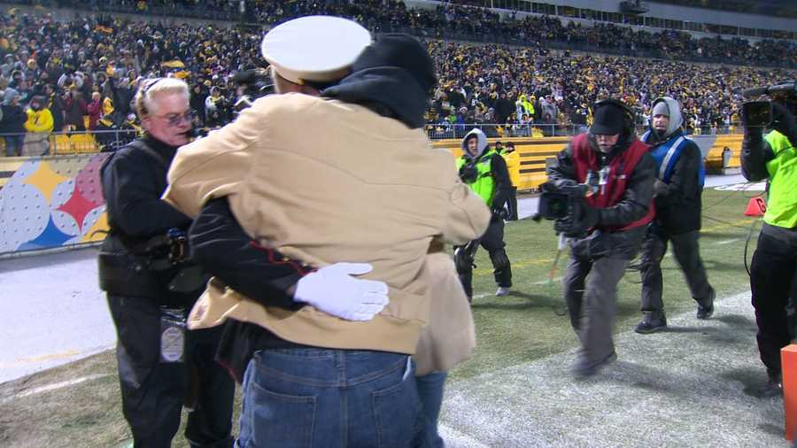 The ceremony was part of a season-long initiative by the Steelers to honor hometown heroes.