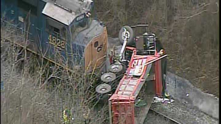 truck vs train 02