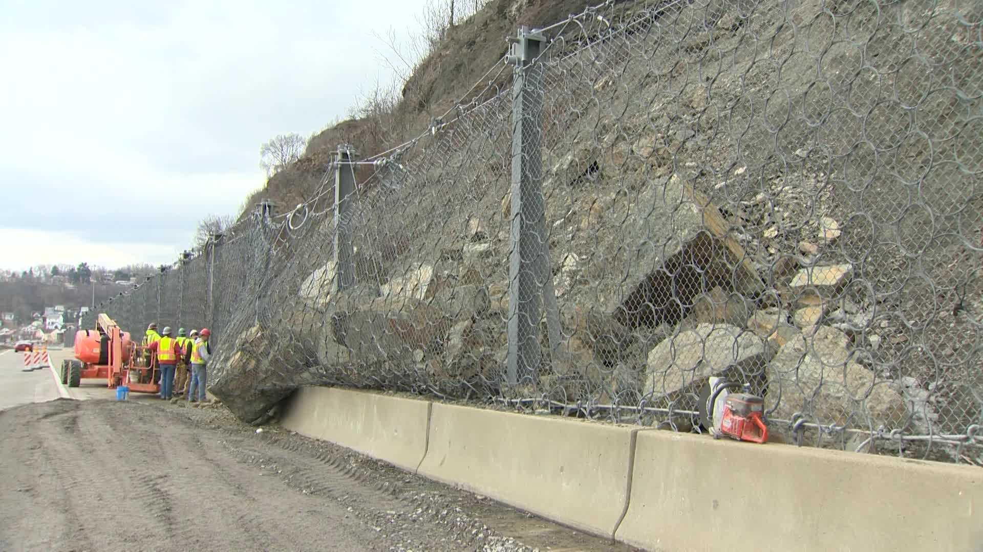 img-Route 28 rockslide 01