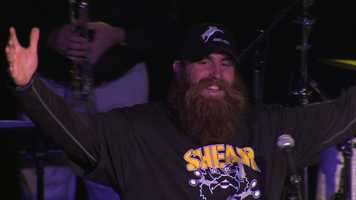 """Steelers defensive end Brett Keisel held his annual """"Shear Da Beard"""" charity event Wednesday night at Jergel's Rhythm Grille."""
