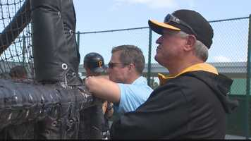 Pirates president Frank Coonelly and manager Clint Hurdle