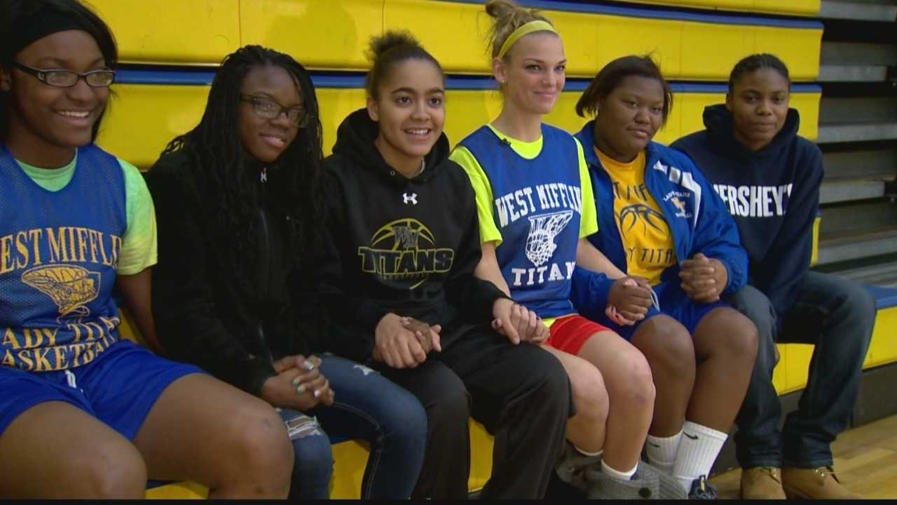 """Taylor Thomas and her West Mifflin basketball teammates use the saying, """"Hold the rope,"""" to express how theyplay together and have each other's backs."""