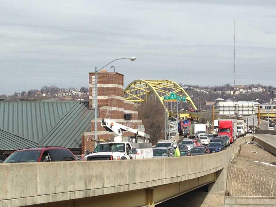 Traffic headed toward the Fort Pitt Bridge from the North Shore.