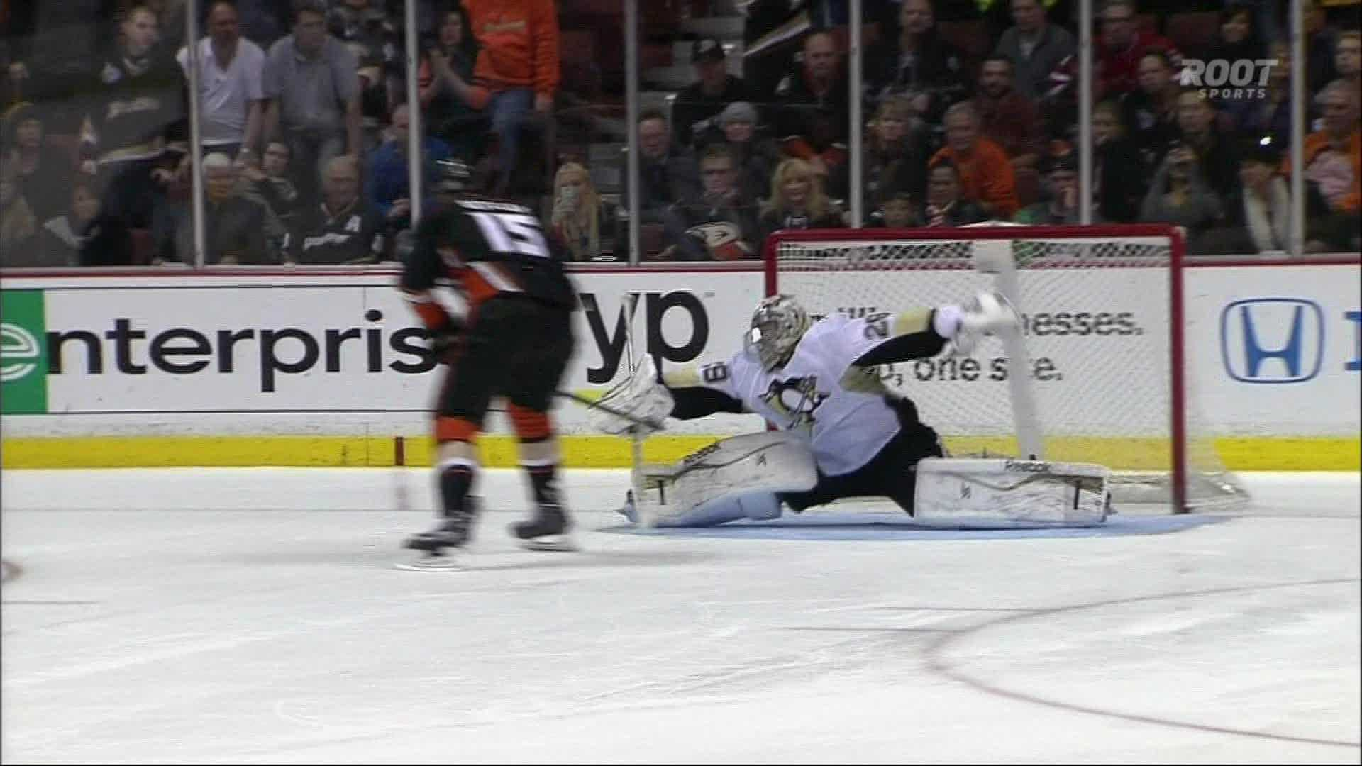 Ryan Getzlaf's shot missed the net as the Penguins beat the Ducks in a six-round shootout Friday night in Anaheim.