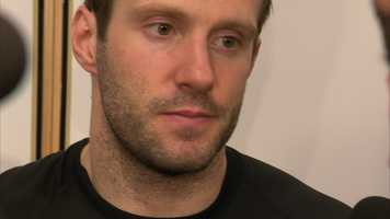 The New York Rangers signed forward Lee Stempniak to a one-year deal worth $900,000.