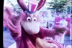 Kenny Kangaroo waves to the crowd at Kennywood Park in 1979.