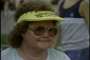 A woman visits Kennywood Park on WTAE Day in 1983.