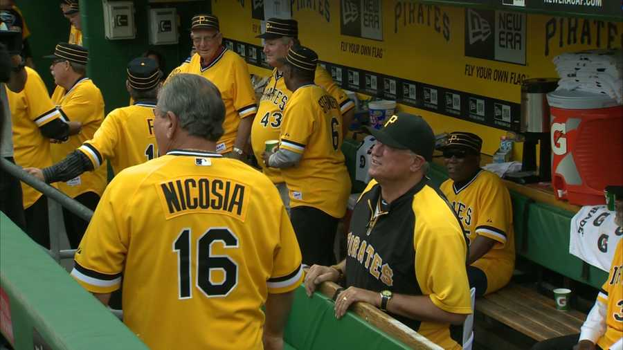 Pirates manager Clint Hurdle hangs out with the '79 Pirates squad