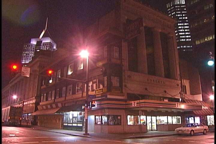 The Skinny Building in 2002.