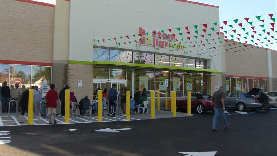 Bottom Dollar Food celebrated the opening of its newest store at 5200 Penn Ave. in Garfield on Thursday.
