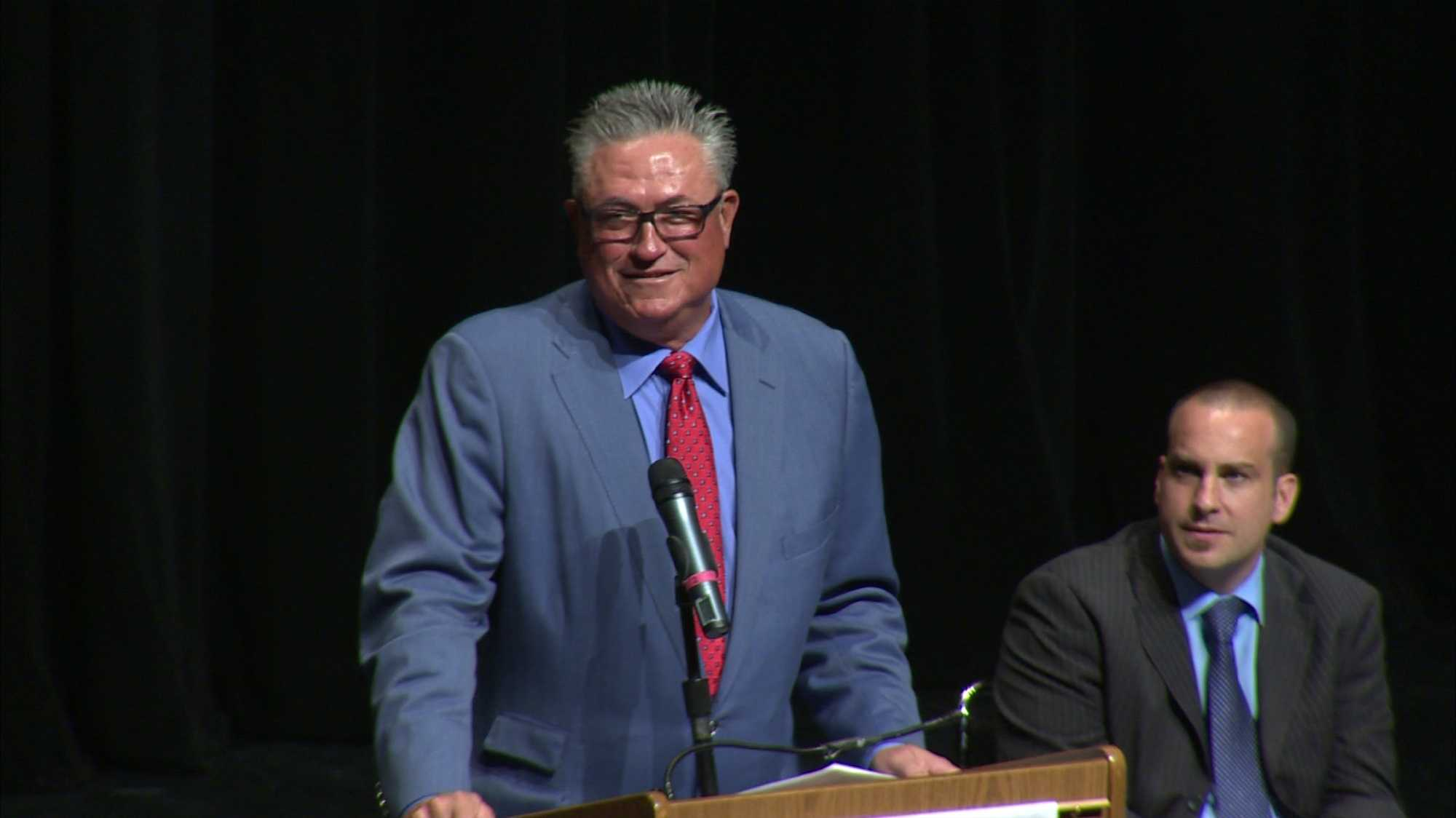Pirates manager Clint Hurdle speaks at Franklin Regional High School's baccalaureate service