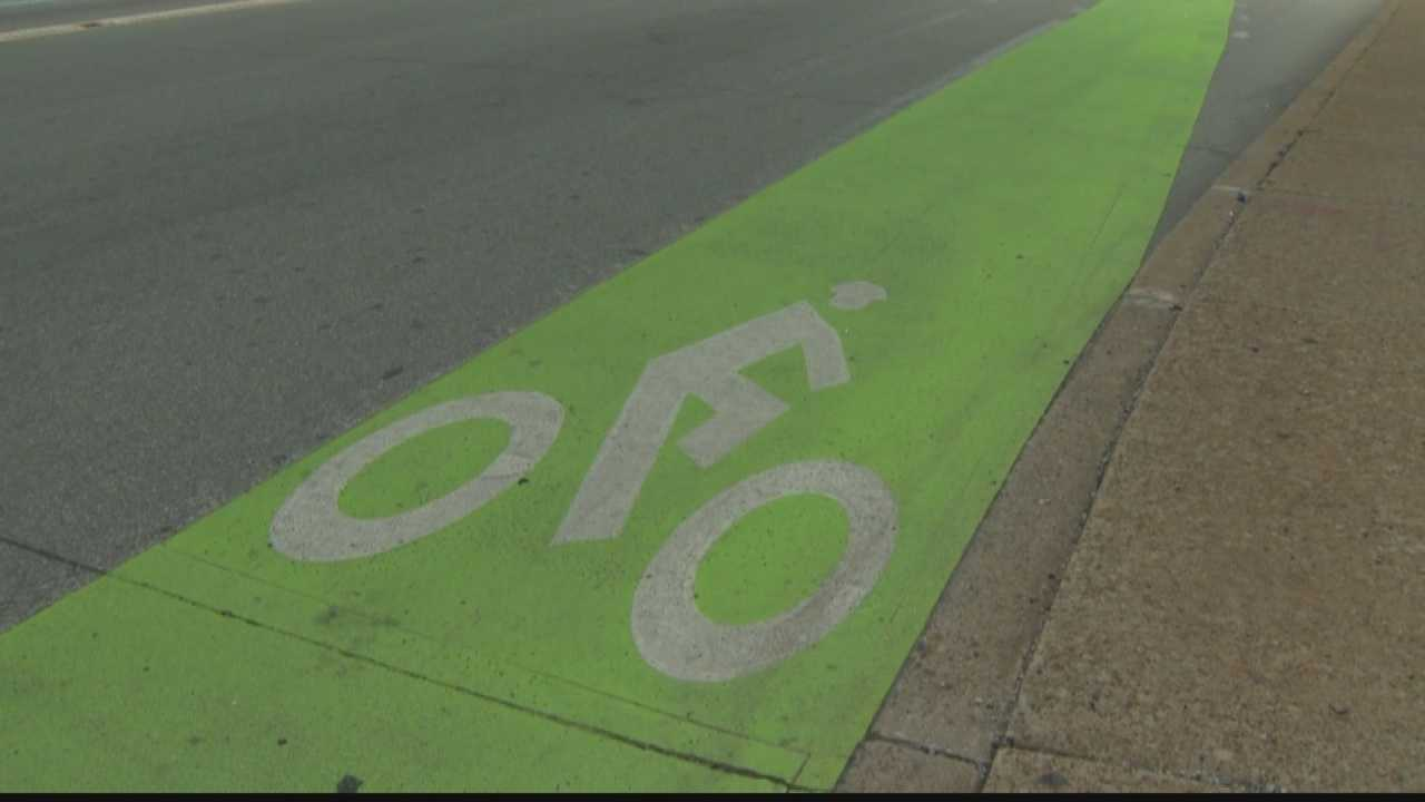 img-bicycle-only lane