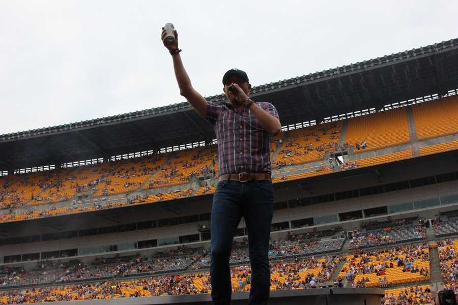 Country music artist Cole Swindell was the first opening act for Luke Bryan on Saturday. Pittsburgh's Action News 4 was front and center to catch his performance.
