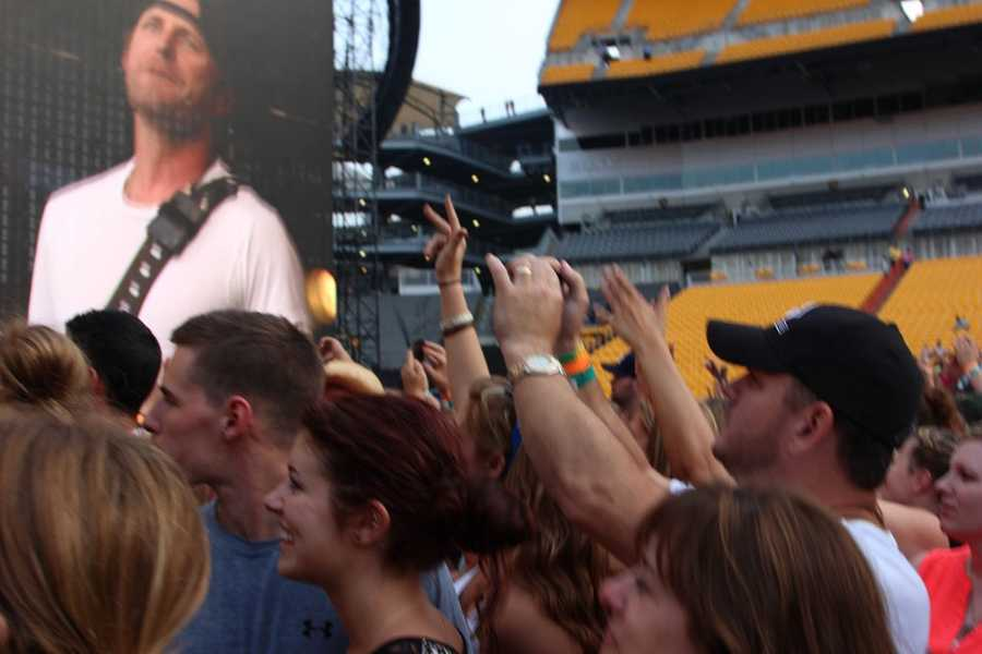 Country music artist Dierks Bentley performed right before Luke Bryan on Saturday. Pittsburgh's Action News 4 was front and center to catch his performance. Catch one special fan get a special surprise on stage.