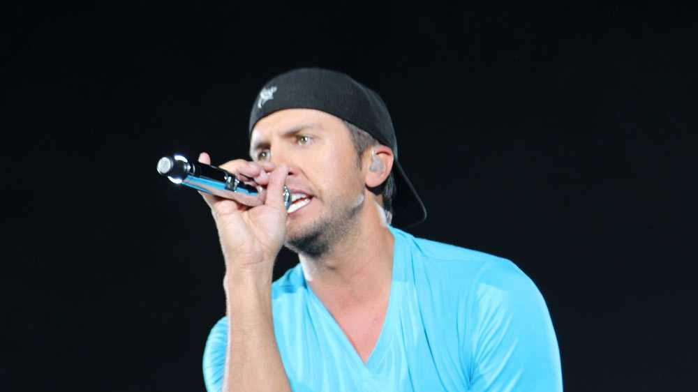 Country music artist Luke Bryan performed at Heinz Field on Saturday to an energized crowd. Pittsburgh's Action News 4 was front and center to catch his performance.