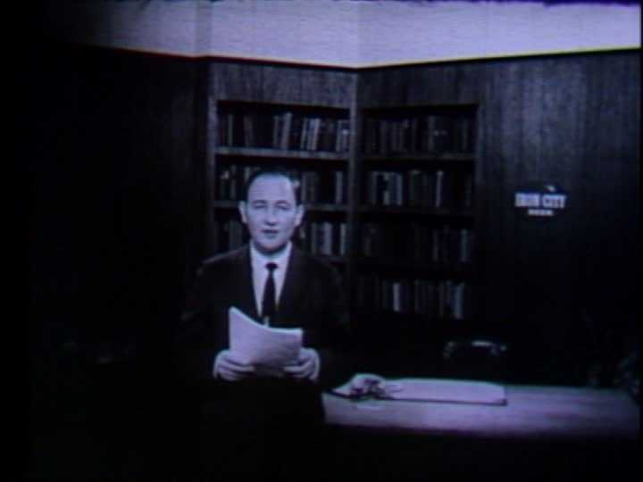 Dave Murray was the news director and anchored the 11 p.m. newscast on WTAE in the 1960s.