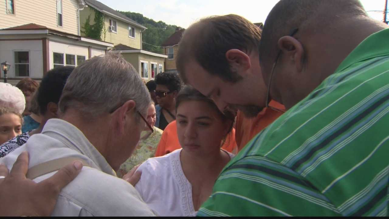 Community unites for young sisters who died after dresser fell