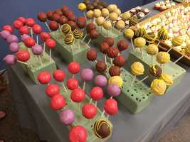 2 Local Girls displayed deliciously tempting cake pops as you entered the Atrium