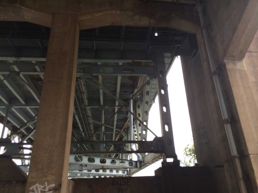 This is the vertical beam in the upper right side of the photo that is directly underneath the roadway of the Elizabeth Bridge where the child became trapped.