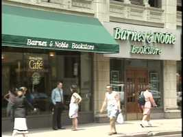 One block down from the Smithfield Cafe, there was a large Barnes & Noble bookstore and cafe. Here's how it looked in 1994.