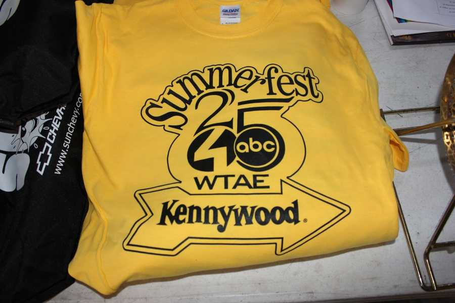 Check out some of the behind the scenes photo from us preparing for the start of the 25th Annual Summerfest Parade at Kennywood Park with some of our special guests!