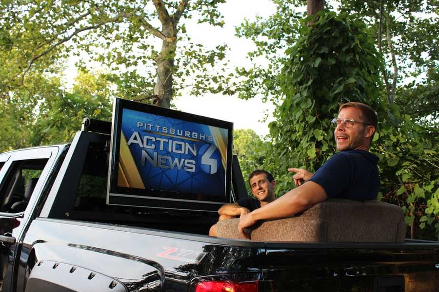 Pittsburgh Dad riding getting ready to ride in true Pittsburgh style with his recliner chair and big plasma TV set to WTAE Channel 4.