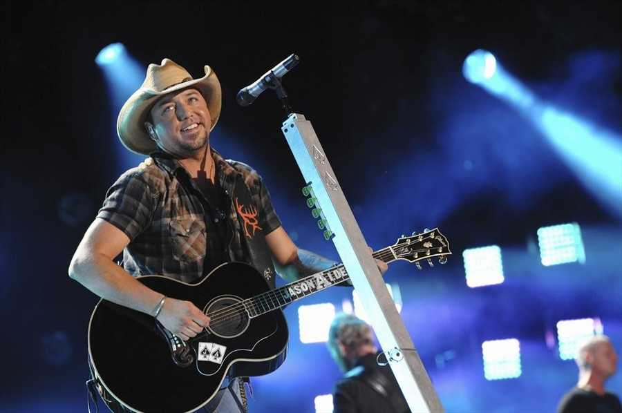 """JASON ALDEAN -- CMA MUSIC FESTIVAL: COUNTRY'S NIGHT TO ROCK - The ABC Television Network airs """"CMA Music Festival: Country's Night to Rock"""" on TUESDAY, AUGUST 5 (8:00-11:00 PM/ET). (ABC/Eric Gebhart)"""