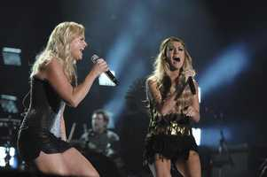 "MIRANDA LAMBERT, CARRIE UNDERWOOD -- CMA MUSIC FESTIVAL: COUNTRY'S NIGHT TO ROCK - The ABC Television Network airs ""CMA Music Festival: Country's Night to Rock"" on TUESDAY, AUGUST 5 (8:00-11:00 PM/ET). (ABC/Eric Gebhart)"