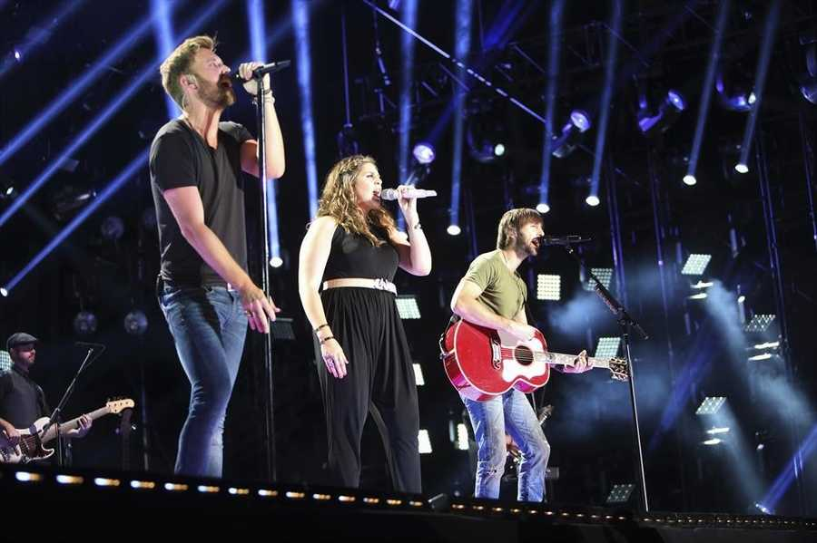 """LADY ANTEBELLUM -- CMA MUSIC FESTIVAL: COUNTRY'S NIGHT TO ROCK - The ABC Television Network airs """"CMA Music Festival: Country's Night to Rock"""" on TUESDAY, AUGUST 5 (8:00-11:00 PM/ET). (ABC/Chris Hollo)"""