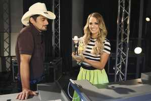 "BRAD PAISLEY, CARRIE UNDERWOOD -- CMA MUSIC FESTIVAL: COUNTRY'S NIGHT TO ROCK - The ABC Television Network airs ""CMA Music Festival: Country's Night to Rock"" on TUESDAY, AUGUST 5 (8:00-11:00 PM/ET). (ABC/Mark Levine)"