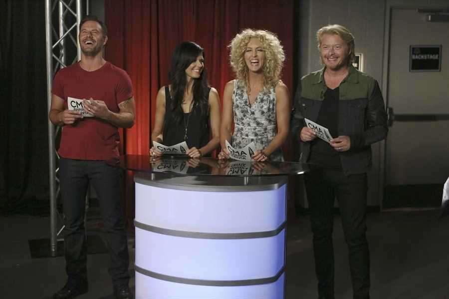 """Your Hosts: LITTLE BIG TOWN -- CMA MUSIC FESTIVAL: COUNTRY'S NIGHT TO ROCK - The ABC Television Network airs """"CMA Music Festival: Country's Night to Rock"""" on TUESDAY, AUGUST 5 (8:00-11:00 PM/ET). (ABC/Mark Levine)"""