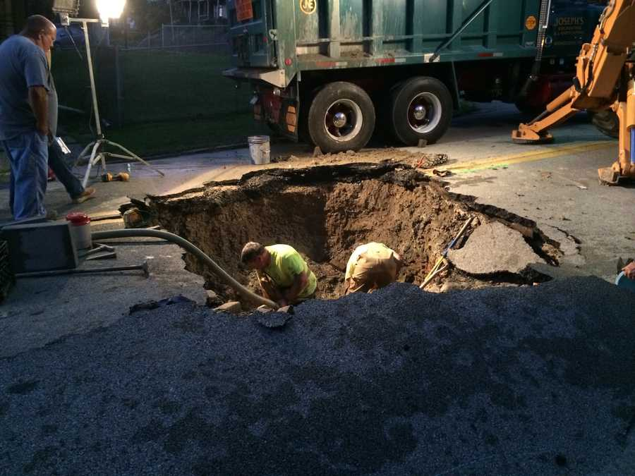 A witness reported seeing approximately 5 feet of water when the pipe broke.