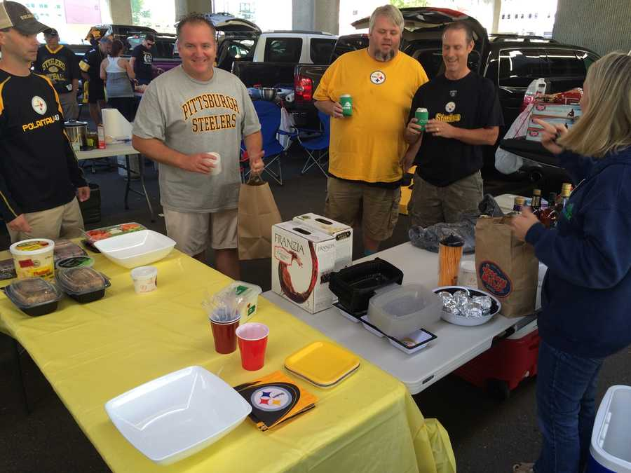 Steelers fans tailgate in style