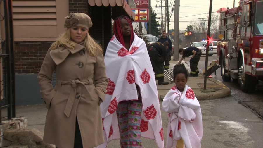 LaNiyah Coller, 12, carried her sister, Angel Lynn Coller, 4, downstairs to safety when their mother began screaming about the smoke in the house.