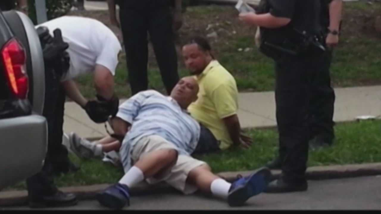 The city of Pittsburgh wants to pay Dennis Henderson $52,500 to end a federal lawsuit over his arrest.