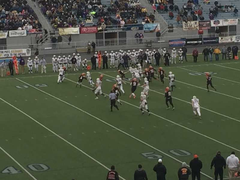 Clairton vs. Bishop Guilfoyle in the PIAA championship game.