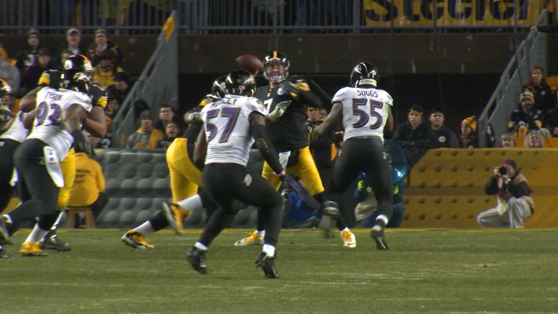 Ben Roethlisberger passes against the Ravens.