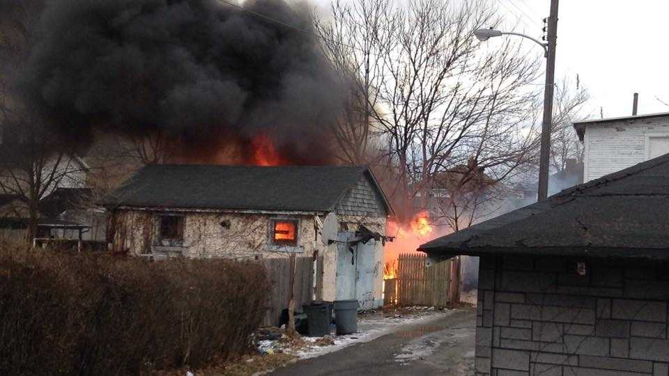 A vacant garage caught fire in Beaver Falls and quickly spread to garages on either side.