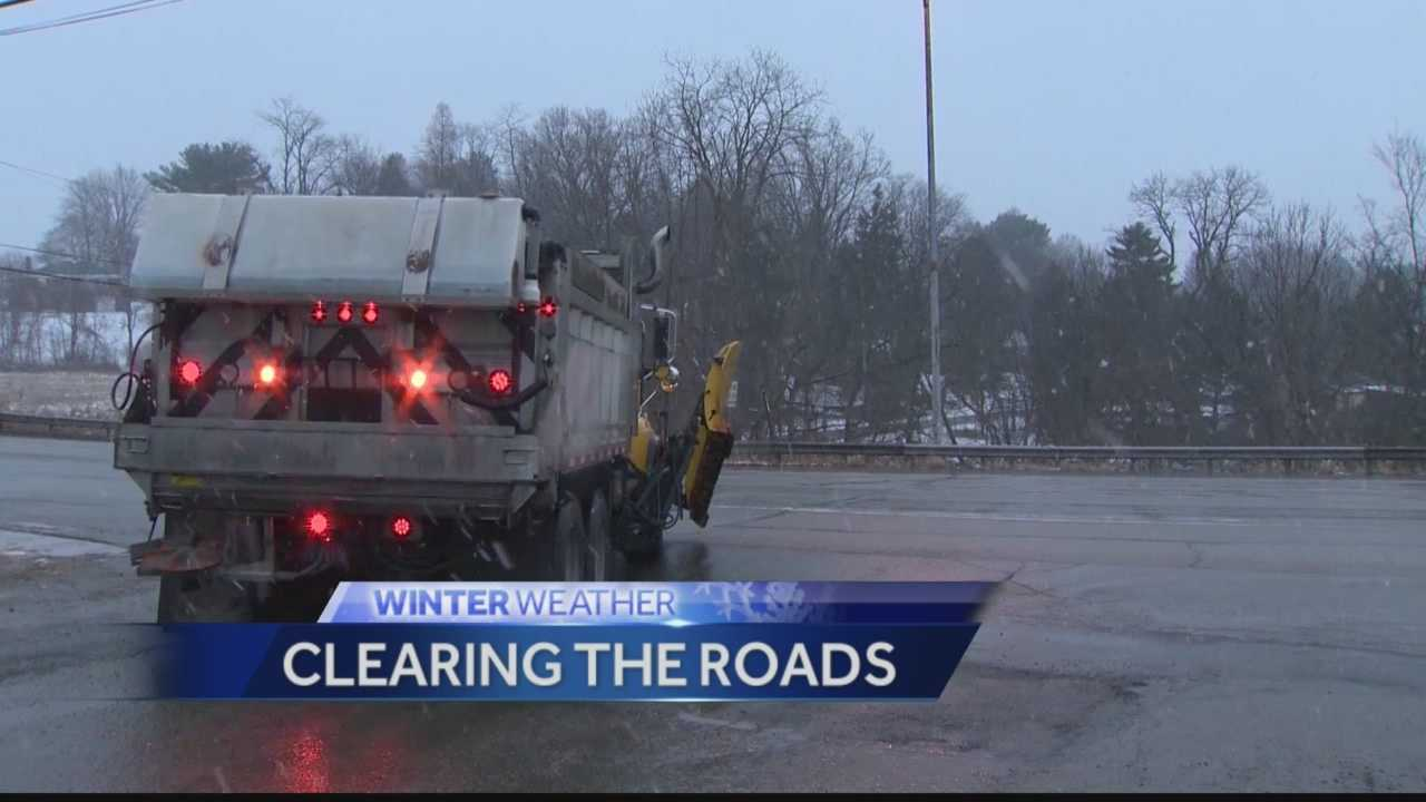 Pittsburgh's Action News 4's Jackie Schafer reports on the efforts of road crews on Monday morning to keep roads across the region clear of snow.