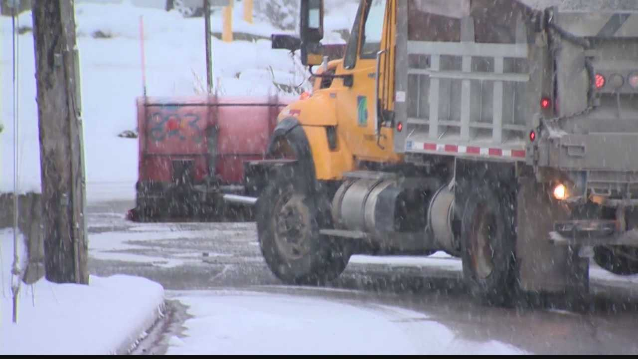 Crews are getting ready to hit the road early Sunday morning before the heavy snow starts falling.
