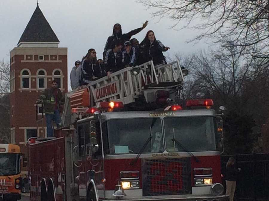 Champs get first class ride @CalUofPAWBB @WTAE
