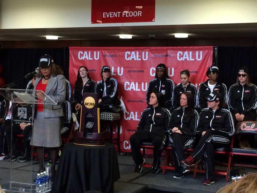.@CalUofPA honored @CalUofPAWBB national champions inside convocation center @WTAE