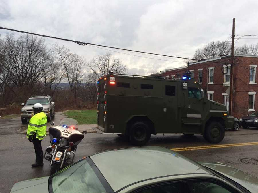 Second SWAT truck just flew by where media is staged. Again--911 confirms father stabbed son #MarshallShadelandCourtney Fischer, WTAE-TV