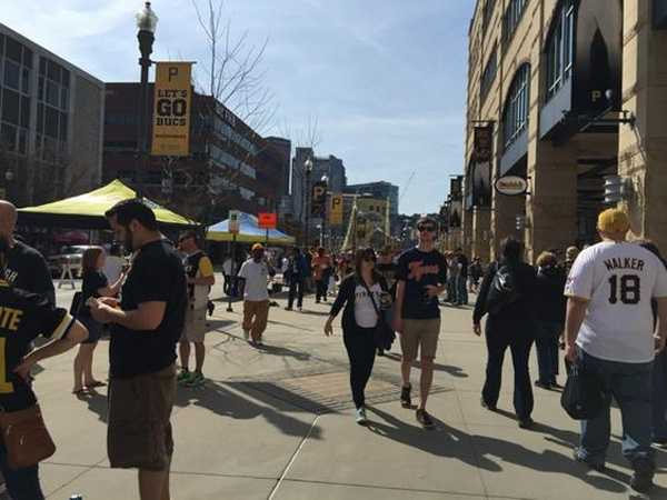 Pirates fans on Federal Street