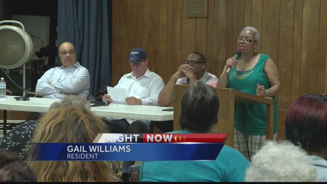 Apartment residents angered by eviction notices, seek help from mayor