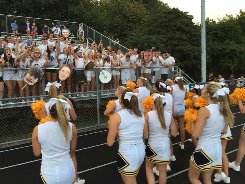 Montour High School football fans