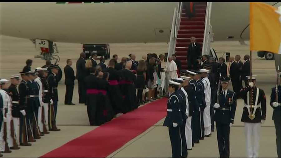 Pres. Barack Obama greets Pope Francis